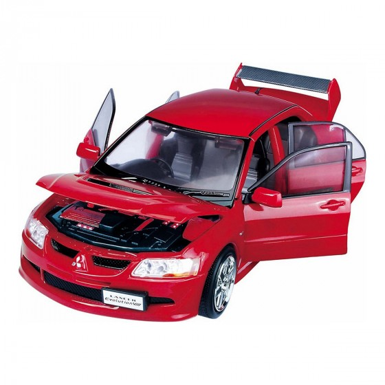 Робот-трансформер - MITSUBISHI EVOLUTION VIII (1:18)